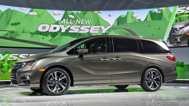 27be2fc65c The new 2018 Honda Odyssey is changing the minivan game - Henley Honda