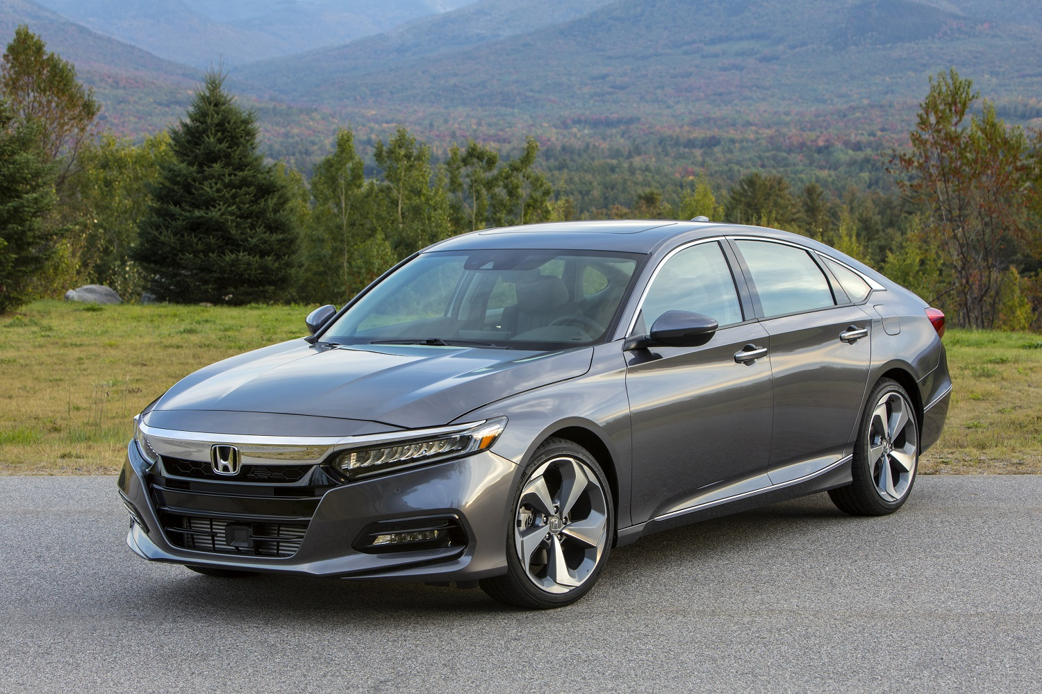 2018 honda accord hits dealerships this month
